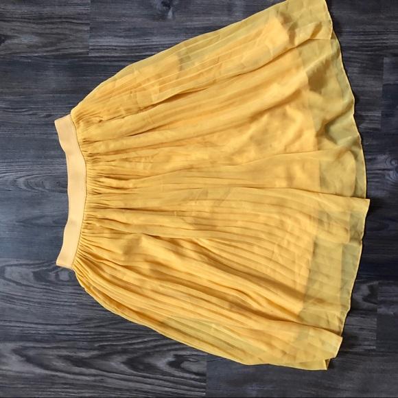 Dresses & Skirts - Yellow Flowy High Waisted Skirt